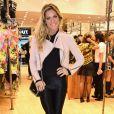 Giovanna Ewbank esbanjando estilo com uma disco pant