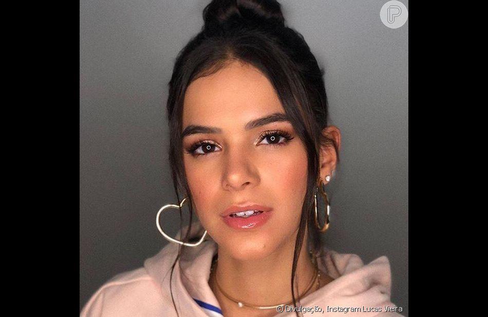 Bruna Marquezine, com beleza de Lucas Viera, apostou em uma make bem leve