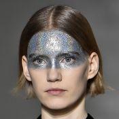 Make de Carnaval com glitter e strass nas sobrancelhas é trend para a folia!