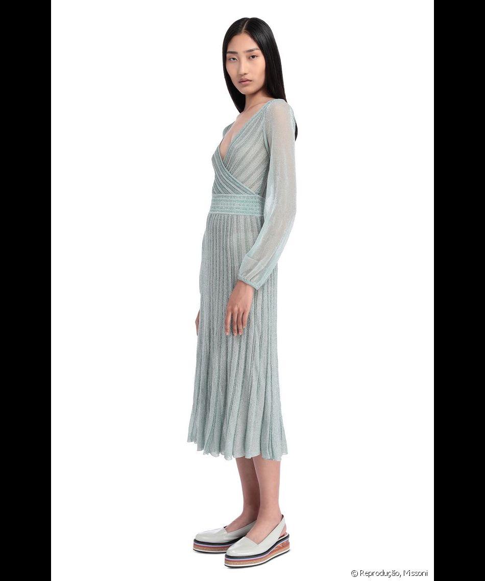 c6fcc6194 A grife Missoni disponibilizou o vestido verde de lurex usado por Kate  Middleton na Irlanda, mas a peça esgotou no e-commerce brasileiro