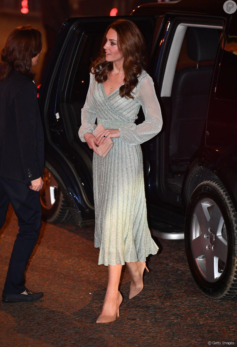 bf9c045ac O vestido verde claro de lurex usado por Kate Middleton é da grife italiana  Missoni