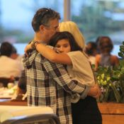 Giulia Costa homenageia pai, Marcos Paulo, no dia que ele faria 68 anos:'Te amo'