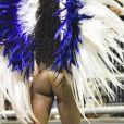 Erika Januza exibiu a boa forma ao desfilar pela Vai-Vai na madrugada deste domingo de carnaval, 3 de março de 2019