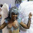 Erika Januza usou fantasia cheia de cristais em desfile da Vai-Vai