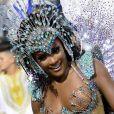 Erika Januza desfilou com fantasia repleta de cristais e homenageando Inaê, a Rainha do Ma