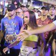 Neymar, a cantora Anitta e o surfista Gabriel Mendina entraram no local pela pista