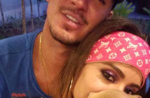 Solteira, Anitta fica com Neymar em camarote de Carnaval no Rio, diz site