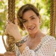 Natália do Vale esbanja beleza aos 61 anos