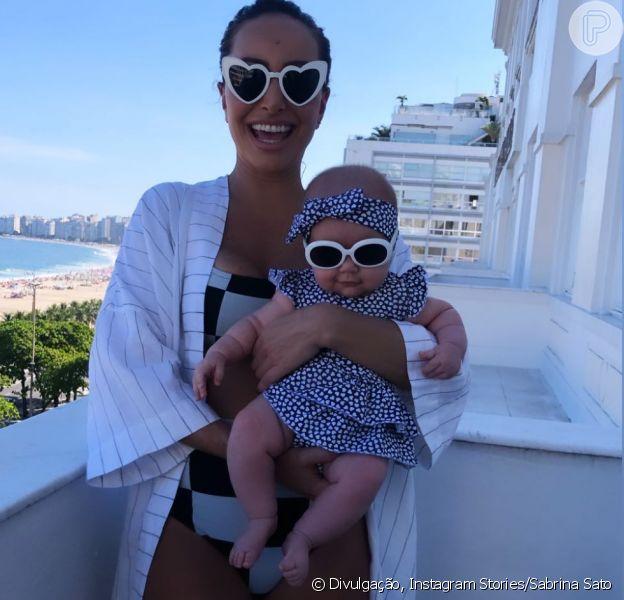 Tal mãe, tal filha! Sabrina Sato e Zoe usam óculos de sol combinando em clique postado nesta sexta-feira, dia 15 de março de 2019