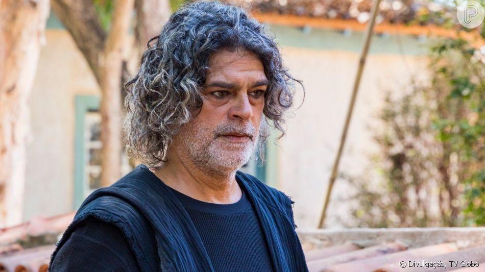 Na novela 'O Sétimo Guardião', Firmina (Guida Vianna) revela a Murilo (Eduardo Moscovis) que filha dele e Neide (Viviane Araujo) está morta