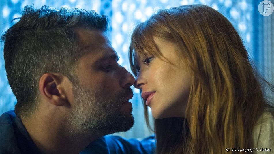 Na novela 'O Sétimo Guardião', Luz (Marina Ruy Barbosa) beija Gabriel (Bruno Gagliasso) e tira o ex-noivo do coma