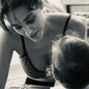 Débora Nascimento avalia criação da filha, Bella, com José Loreto: 'Livre'