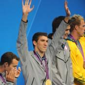 Após ser preso por dirigir bêbado, Michael Phelps decide ir para a reabilitação