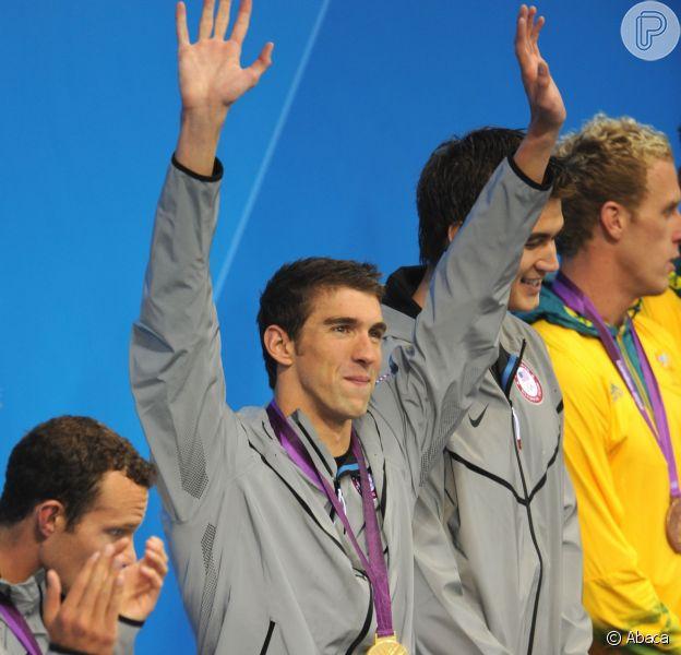 Michael Phelps anunciou que vai para a reabilitação, depois de ser preso dirigindo bêbado