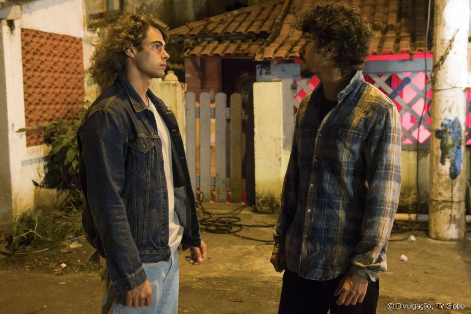 João (Rafael Vitti) quase será morto após ajudar Jerônimo (Jesuíta Barbosa) em confusão na novela 'Verão 90'.