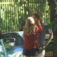 Isabelle Drummond protagonizou cenas românticas com Rafael Vitti em gravação nesta sexta (12)