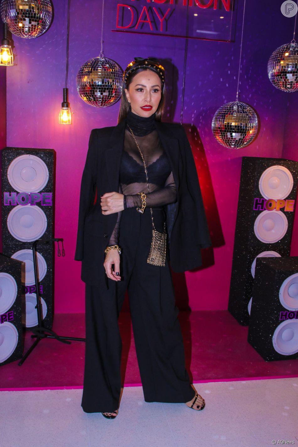 Look com transparência: Sabrina Sato em produção fashionista com styling de Pedro Sales em visual sensual