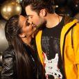 Fernando Zor beijou Maiara em festa de aniversário em São Paulo nesta nesta segunda-feira, 22 de abril de 2019