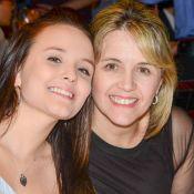 Larissa Manoela se surpreende ao notar semelhança com a mãe: 'Eu todinha'. Vídeo