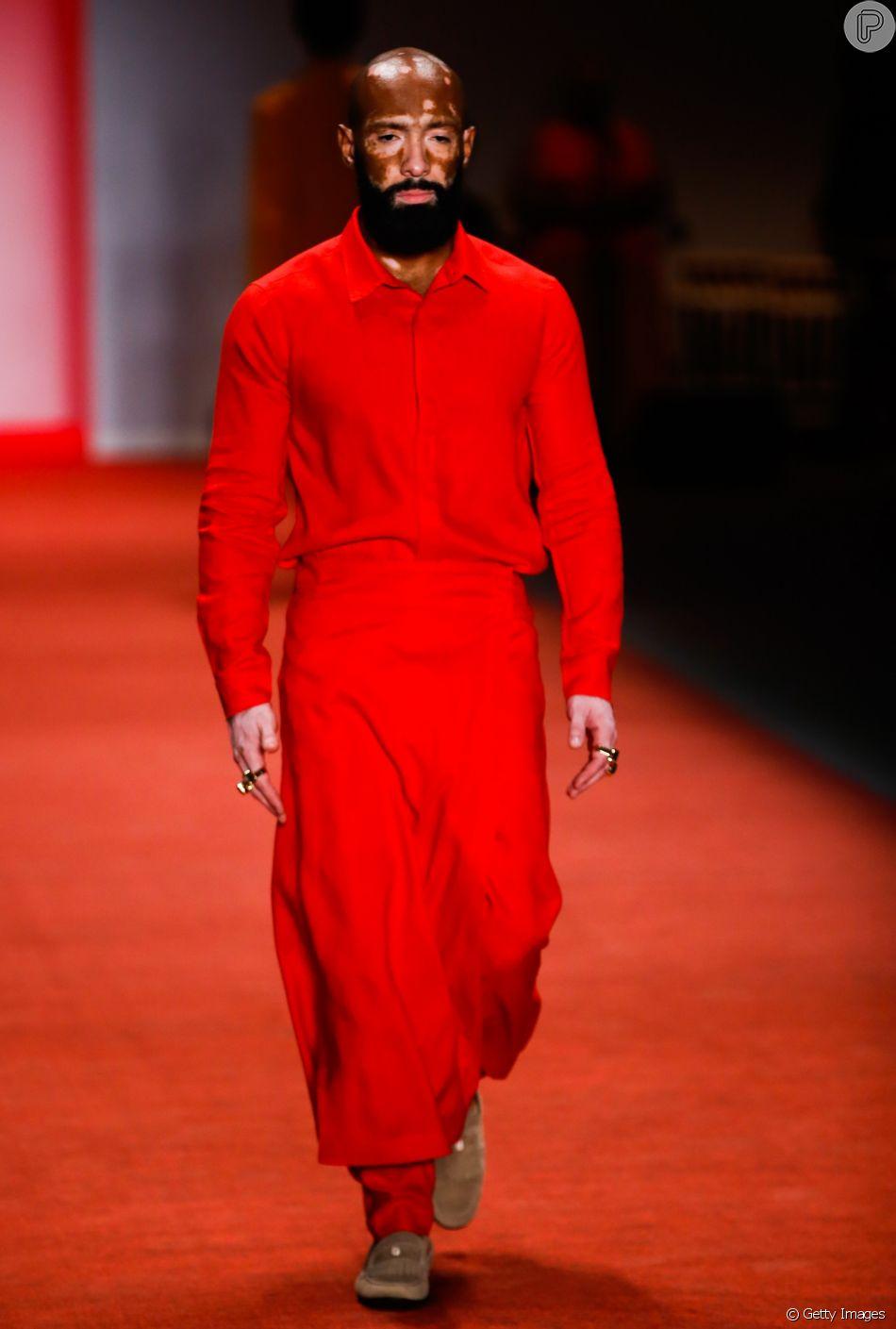 Looks em vermelho total são tendência nas passarelas. A Handred apostou no vermelho total
