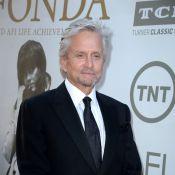 Michael Douglas e Diane Keaton estreiam comédia romântica 'Um amor de vizinha'