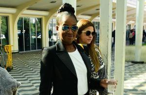 Preto, branco e blazer: Iza desembarca com look cheio de estilo em SP. Fotos!
