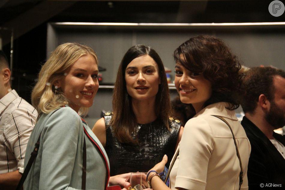 Fiorella Mattheis, Thaila Ayala, Sophie Charlotte brilham em evento fashion