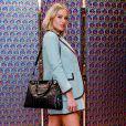 O look de Fiorella Mattheis para o evento: atriz apostou na tendência da meia com sapato
