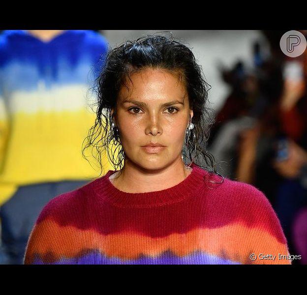O tie dye está de volta às tendências da moda
