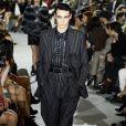 Terno em preto e branco da Louis Vuitton, para usar pra sempre