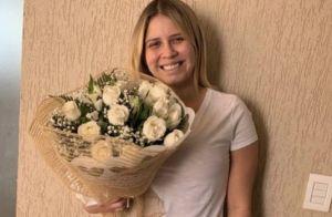 Velas, pétalas e buquê: Marilia Mendonça ganha surpresa e se declara a namorado