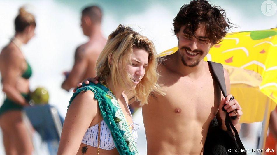 Bruno Montaleone curtiu a praia da Barra da Tijuca, na zona oeste do Rio, neste sábado, 22 de junho de 2019