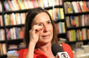Susana Naspolini impressiona pela semelhança com mãe e filha ao lançar livro