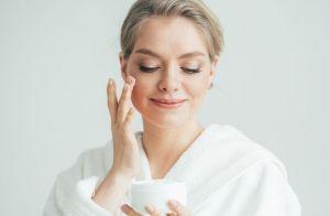 Dermatologista indica os melhores ácidos para cuidar da pele no inverno