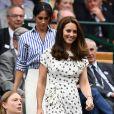 Meghan Markle, em 2018, foi acompanhada por Kate Middleton em Wimbledon
