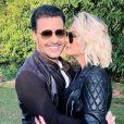 Eduardo Costa e Antonia Fontenelle trocaram beijos nos bastidores de um clipe do sertanejo