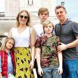 Angélica e Luciano Huck viajaram para Fátima, em Portugal, agradecer pela saúde do filho Benício após o menino se acidentar em acidente no mar do Rio de Janeiro