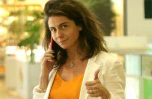 Sem make e messy hair, Giovanna Antonelli aposta em look casual chic no shopping