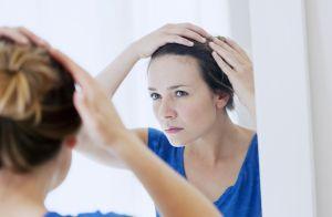 Queda de cabelo entre as mulheres: razões e medidas para contornar o problema