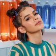 Bruna Marquezine aposta em look esportivo all-over-print sustentável em ensaio esportivo