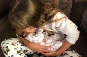 Filha de Tici Pinheiro, Rafaella Justus posa com caçula no colo: 'Amor de irmãs'