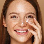 Creme hidratante na pele oleosa é permitido? Dermatologista responde!
