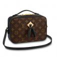 Viviane     Araujo   vai às compras com bolsa modelo  Saintonge da marca Louis Vuitton de R$7.750