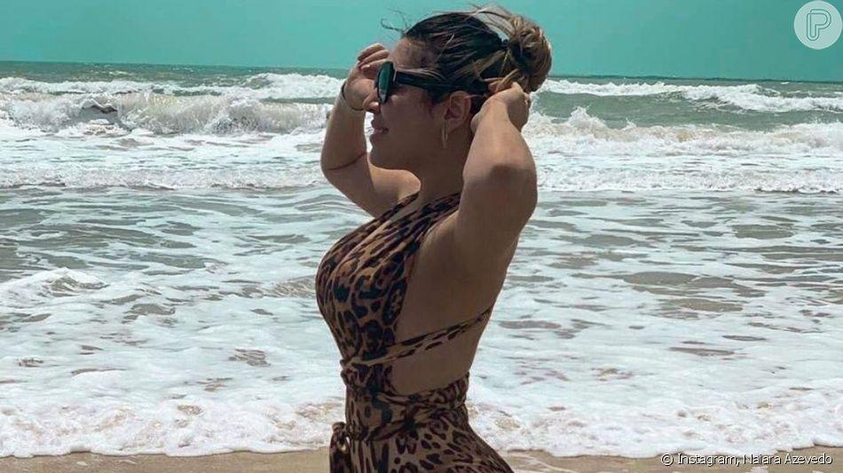 Naiara Azevedo usou maiô com trend animal print em praia nesta terça-feira, 3 de setembro de 2019