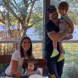 Adriana Sant'Anna compartilha momentos da família na web