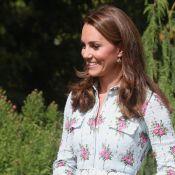 Kate Middleton usa vestido de princesa com joia acessível em inauguração