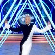 Xuxa tem opinião da filha, Sasha, em looks do 'Dancing Brasil': 'Ela diz se gostou'