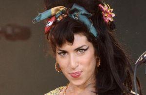Ícone fashion! Relembre 5 itens que marcaram o estilo da cantora Amy Winehouse