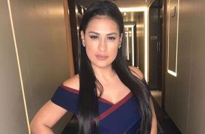 Simone aposta em vestido justinho e make glam para evento com marido em Londres
