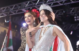 Vem, Carnaval! Juliana Paes coroa Paolla Oliveira como nova rainha da Grande Rio
